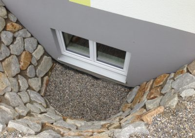 Lichtgraben aus Granit